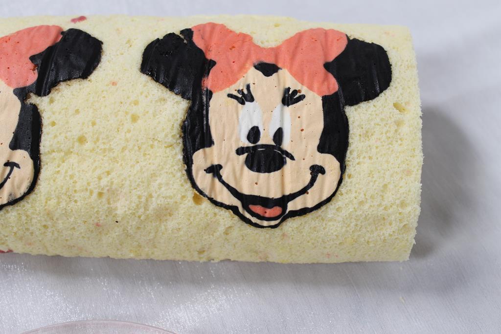 minnie-cake-roll2