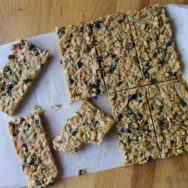 PB&J no-bake oatmeal bars recipe