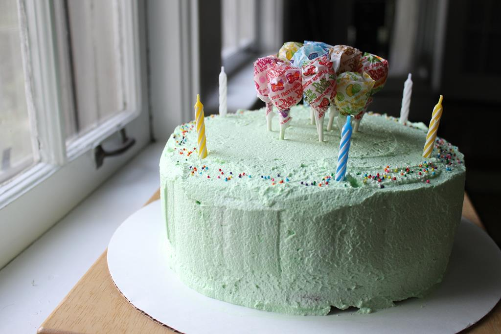 Swell Vanilla Cake With Pandan Frosting Recipe Birthday For A Six Funny Birthday Cards Online Aeocydamsfinfo