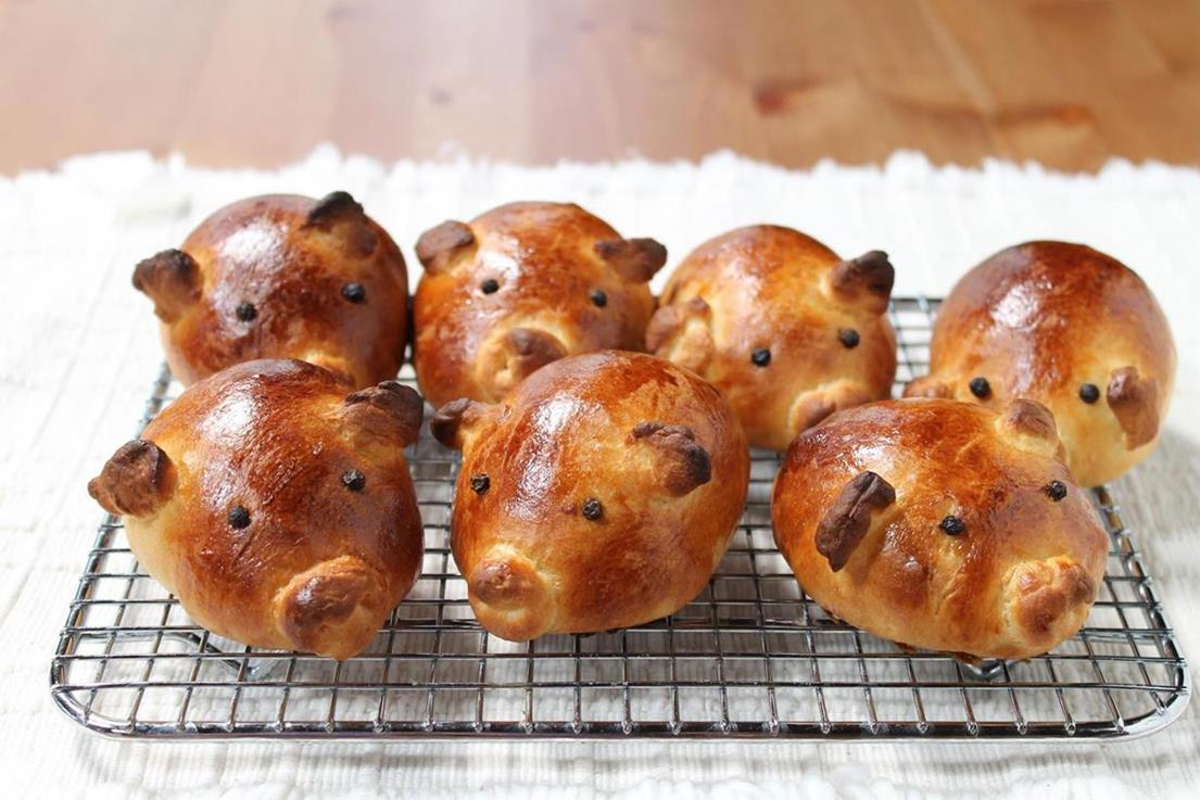 Pregnant Pig Bread Recipe Story Of A Kitchen