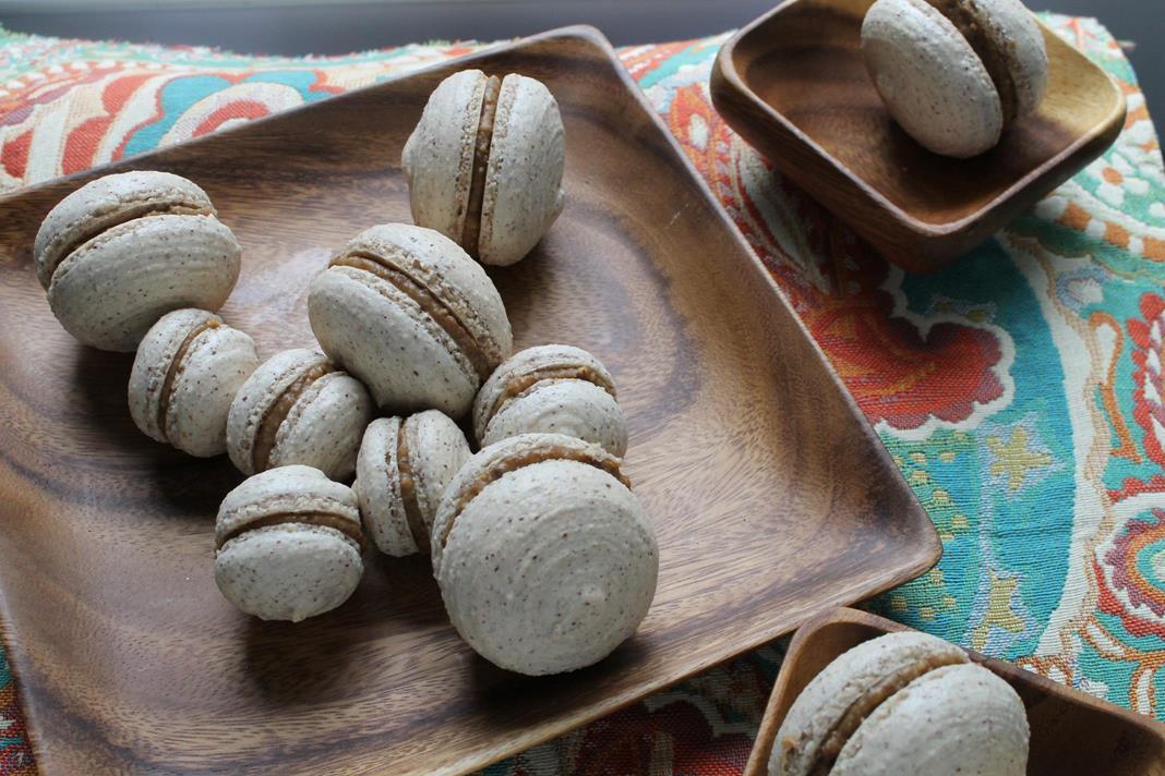 hazelnut-coffee-macarons2