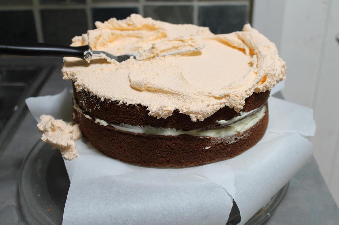 spice-cake-prep-crumb-coat1