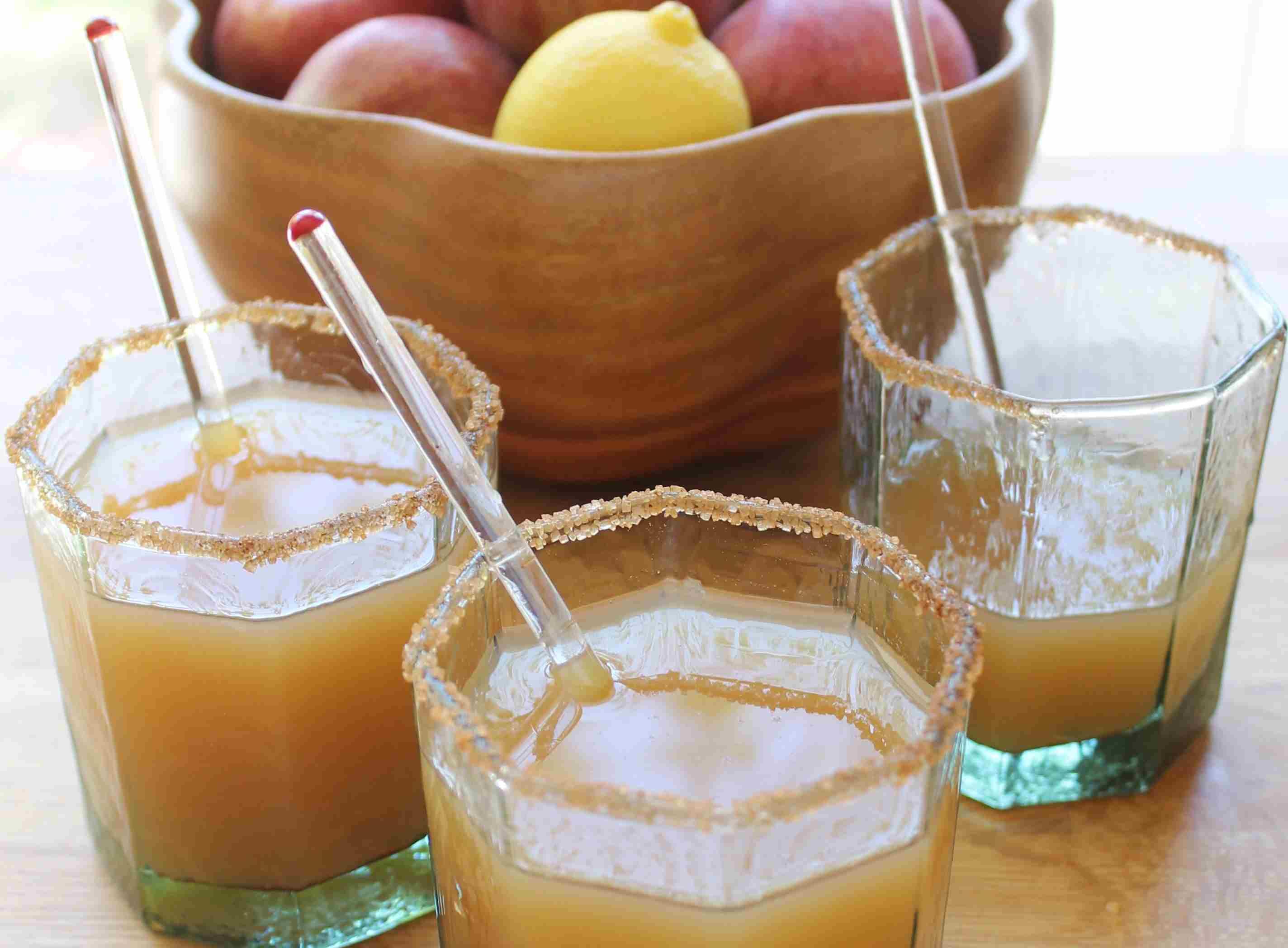 amaretto-apple-sour