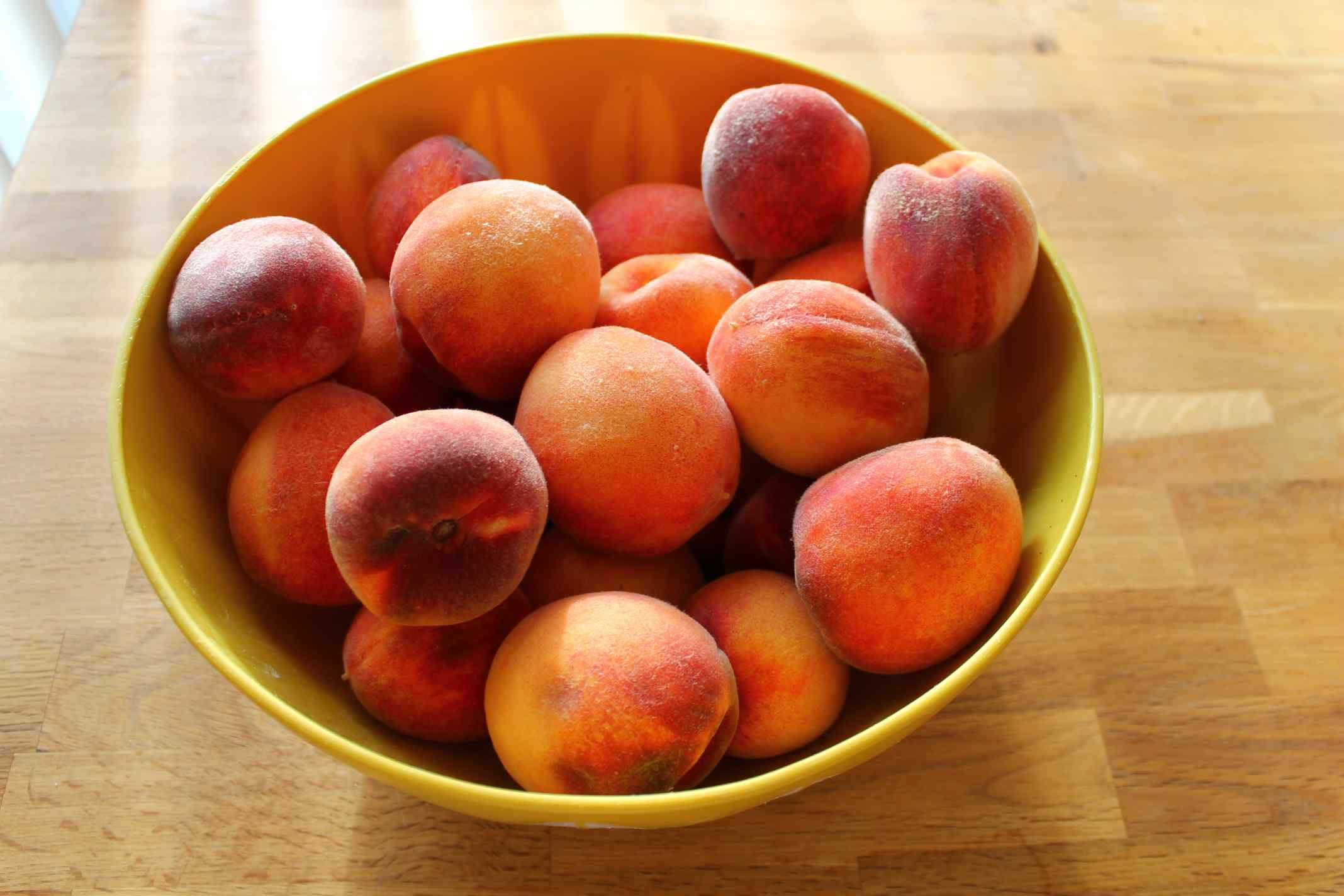 peach-sauce-prep